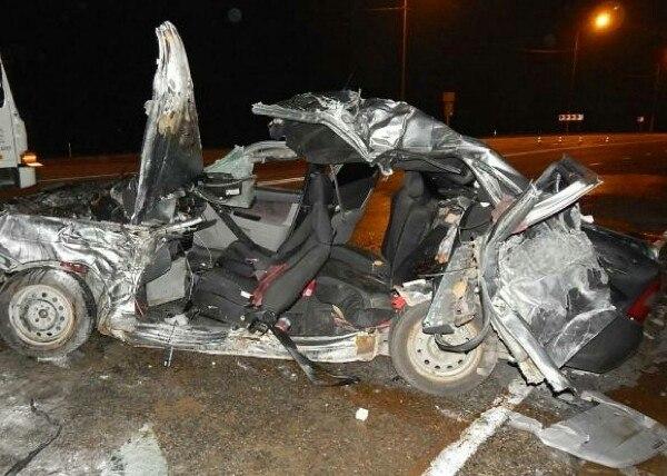 НаКубани вДТП с грузовым автомобилем погибли ипострадали люди