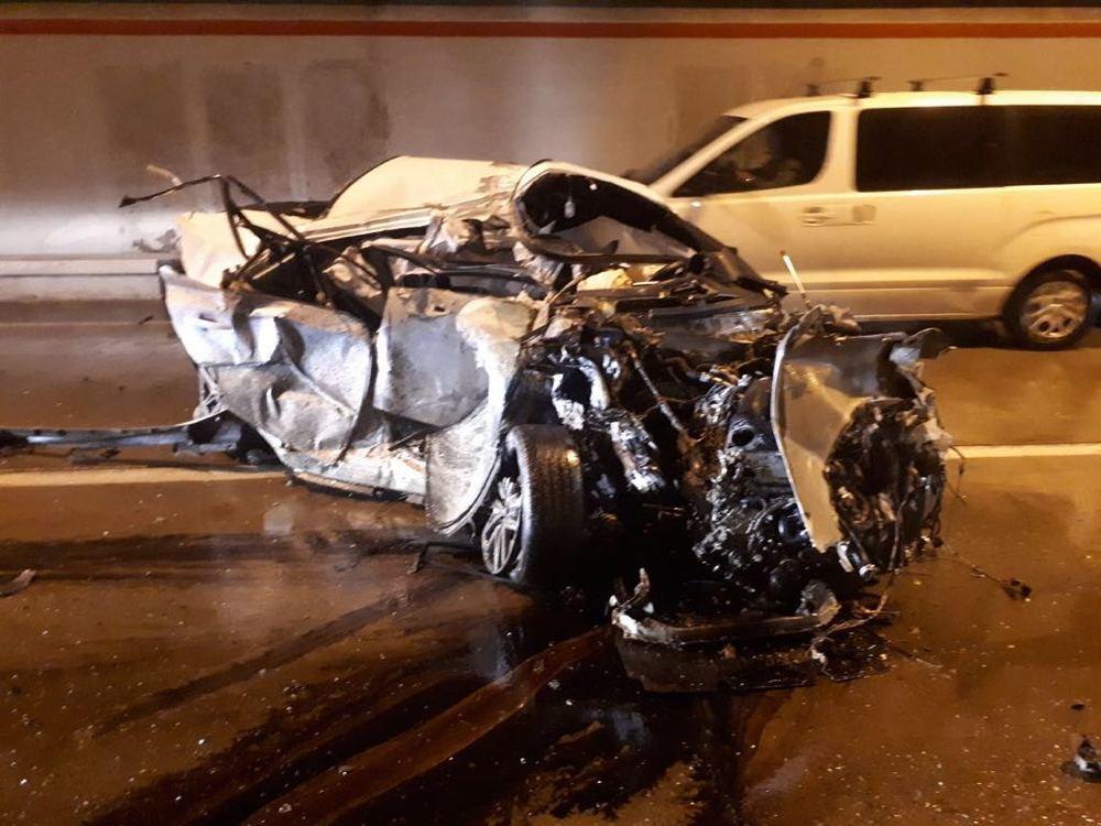 В жутком ДТП в Сочи погиб водитель люксовой иномарки: его «Лексус» сложился «гармошкой»