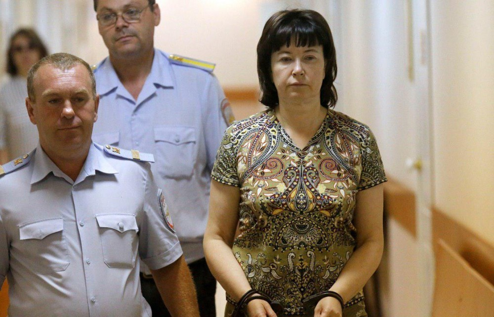 СМИ: экс-жену члена банды Цапка хотят отправить в психушку