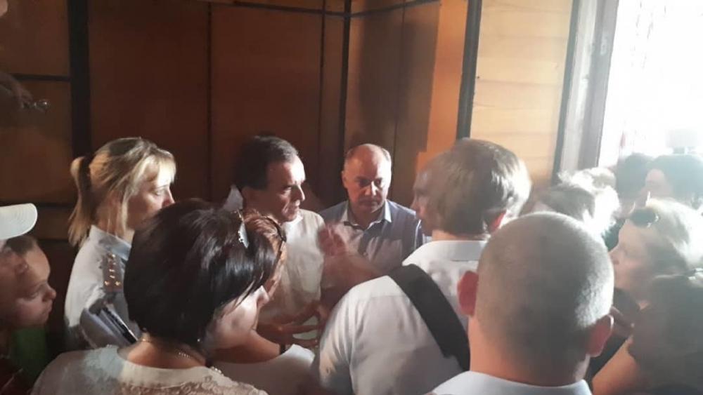 Губернатор Кубани пообещал матпомощь жертвам града в Новокорсунской