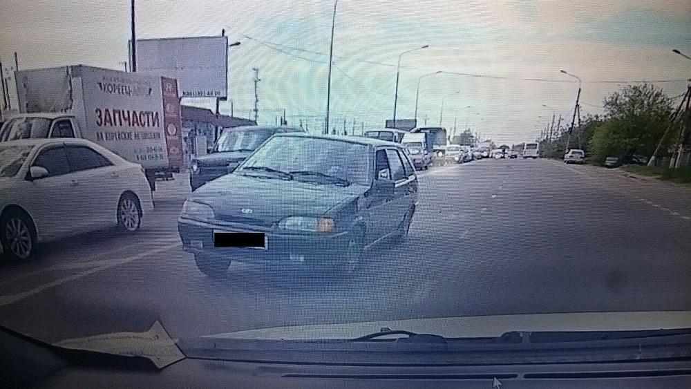 Адыгеец на встречке едва не разбил машину с ребенком