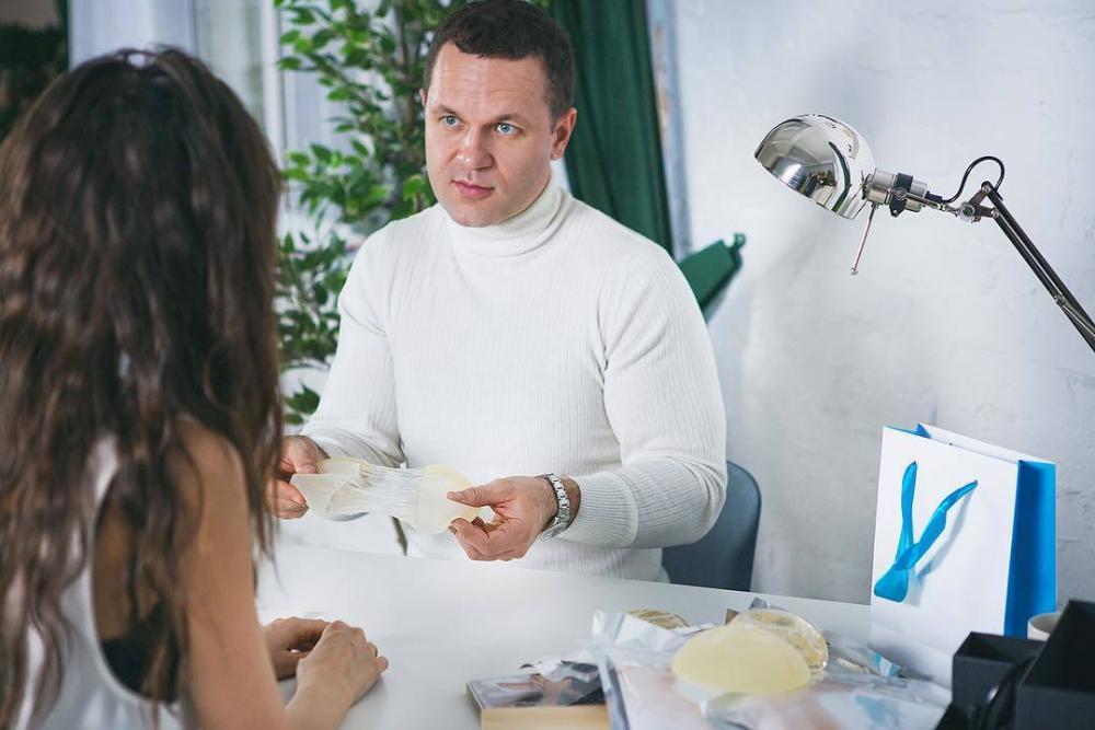 Какой размер груди популярен, сколько стоит пластика в Краснодаре и кому довериться