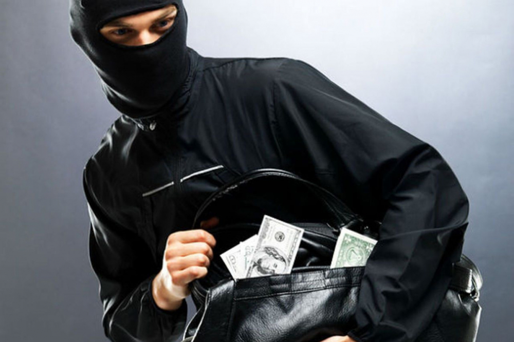 «Террорист» ограбил кафе в Сочи и оставил на прощание «бомбу»
