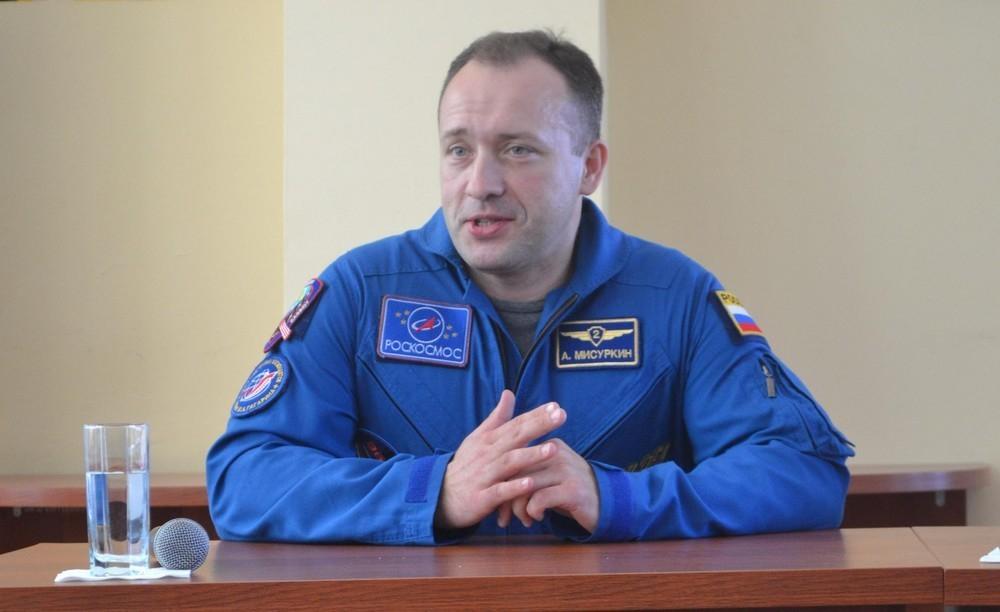 В Сочи прибыли на реабилитацию российские космонавты