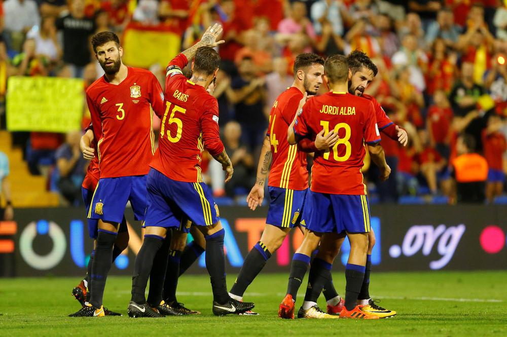Сборная Испании по футболу прилетает в Краснодар