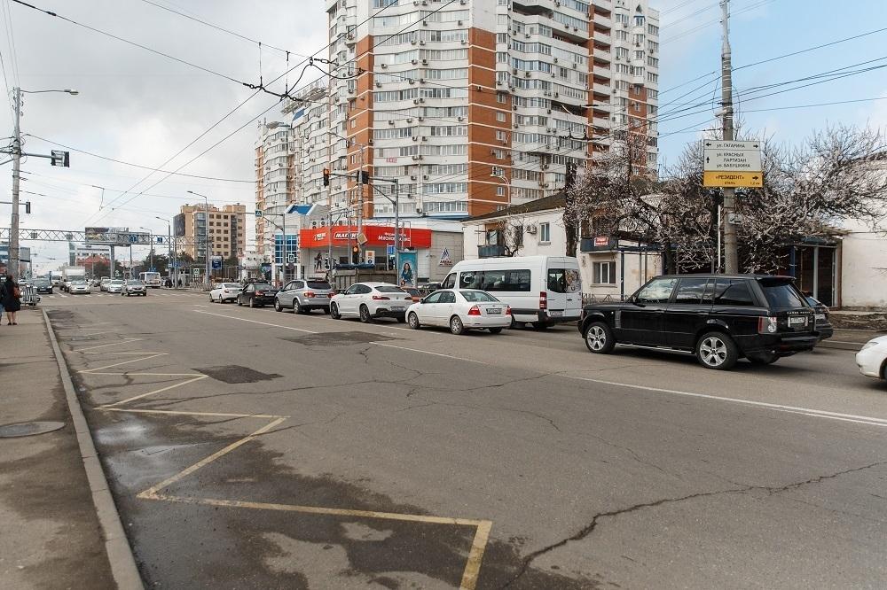 В Краснодаре приступили к ремонту последнего участка улицы Тургенева