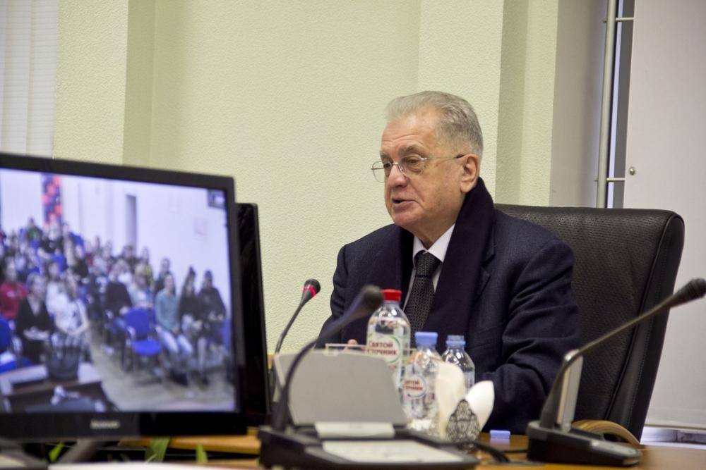 «Ростелеком» организовал видеоконференцию с гендиректором Государственного Эрмитажа Михаилом Пиотровским