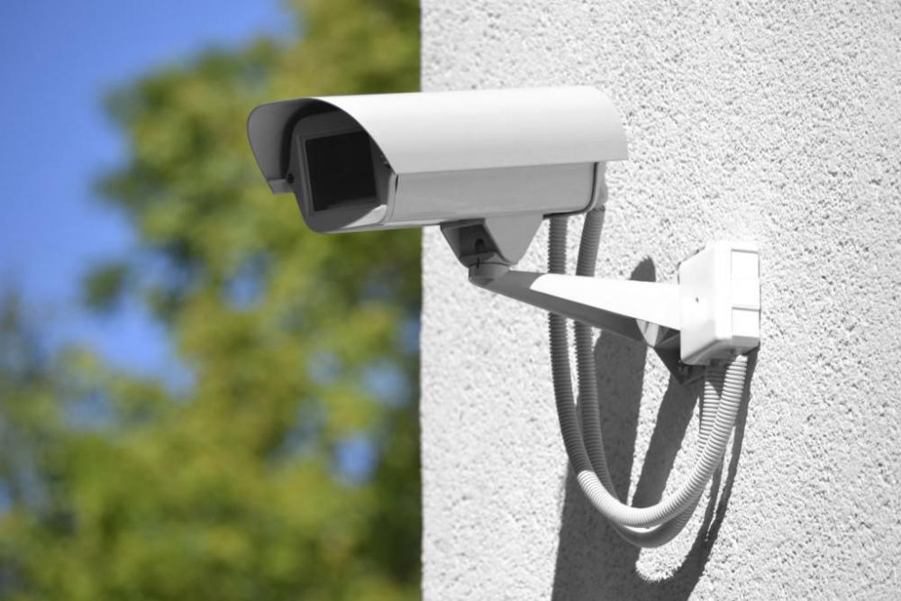 Более 8 млн рублей потратят на слежку за людьми в Новороссийске