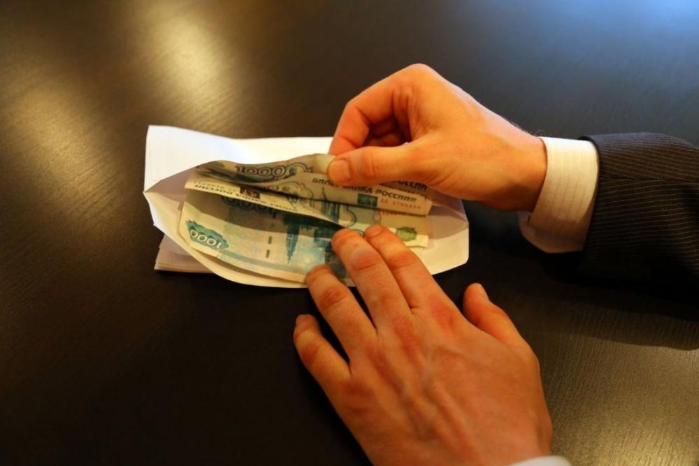 Почти 98% краснодарцев не сообщают о взятках, но клянут коррупцию