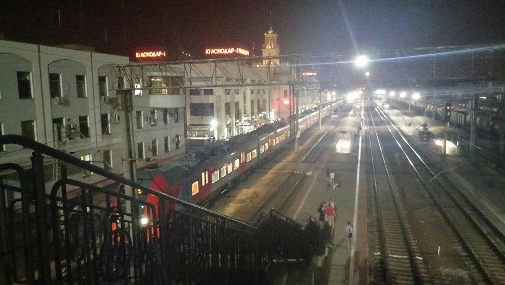 Уродующие ожоги почти всего тела получила студентка на ж/д станции на Кубани