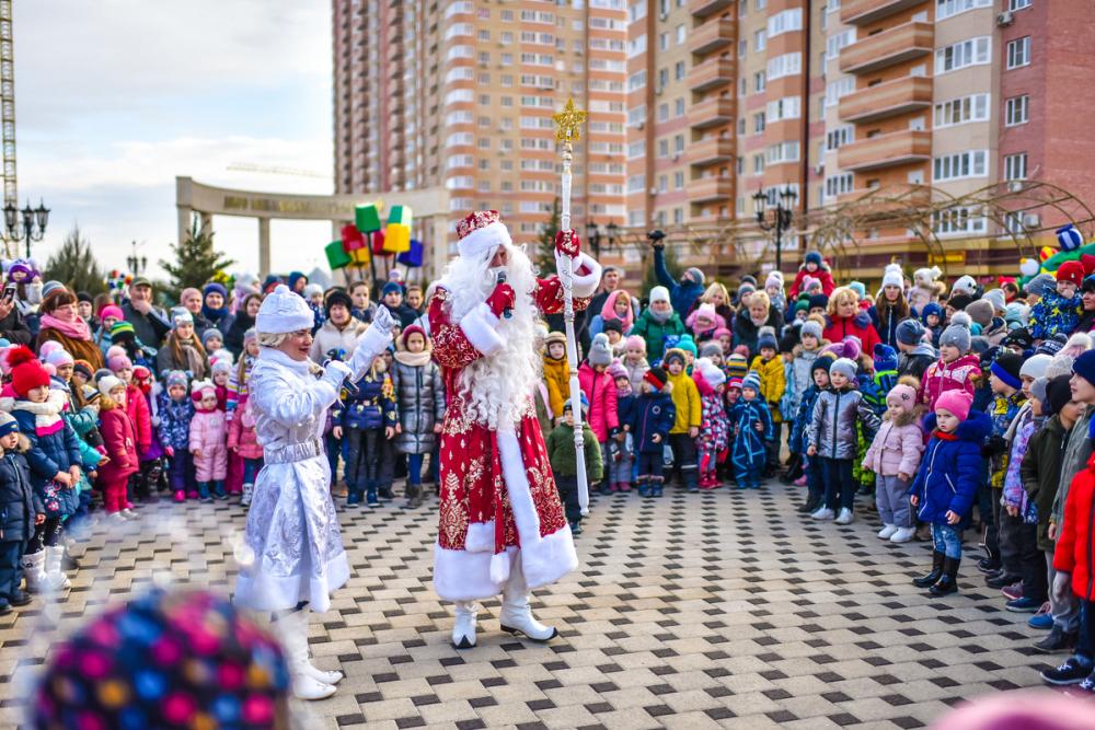 В Губернском и «Панораме» прошли новогодние елки