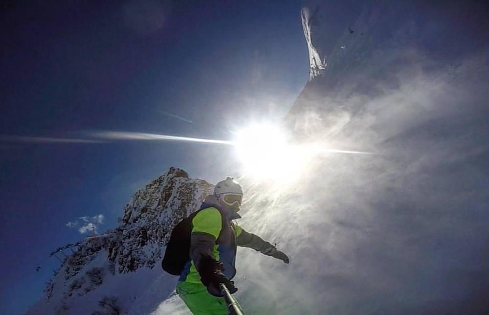 Зарядитесь драйвом: лыжники и сноубордисты опубликовали видео с открытия зимнего сезона в Сочи