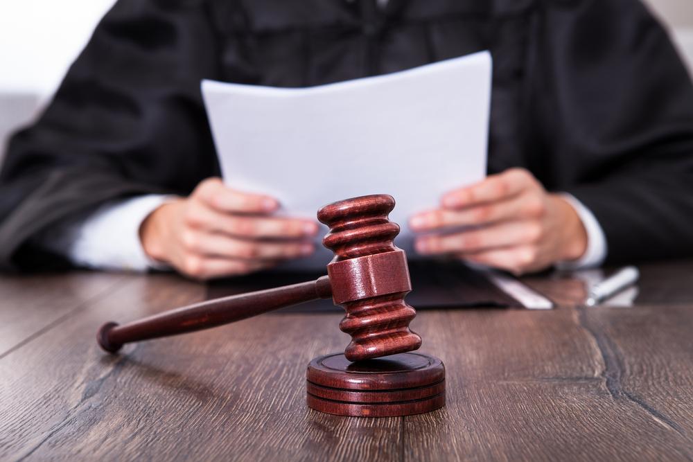 Экс-судья из Сочи стал фигурантом уголовного дела о взятке
