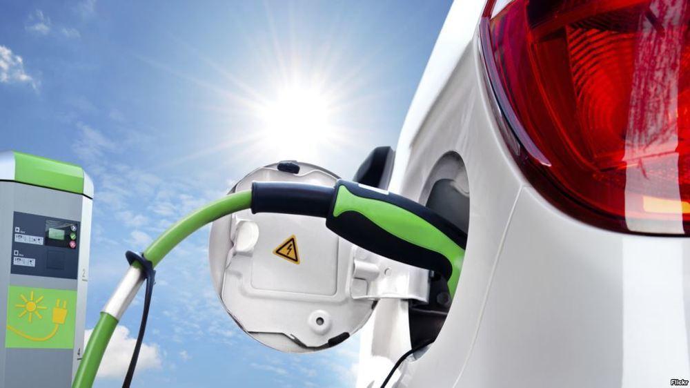 Первый в России сервис каршеринга электромобилей запустят в Сочи в июне