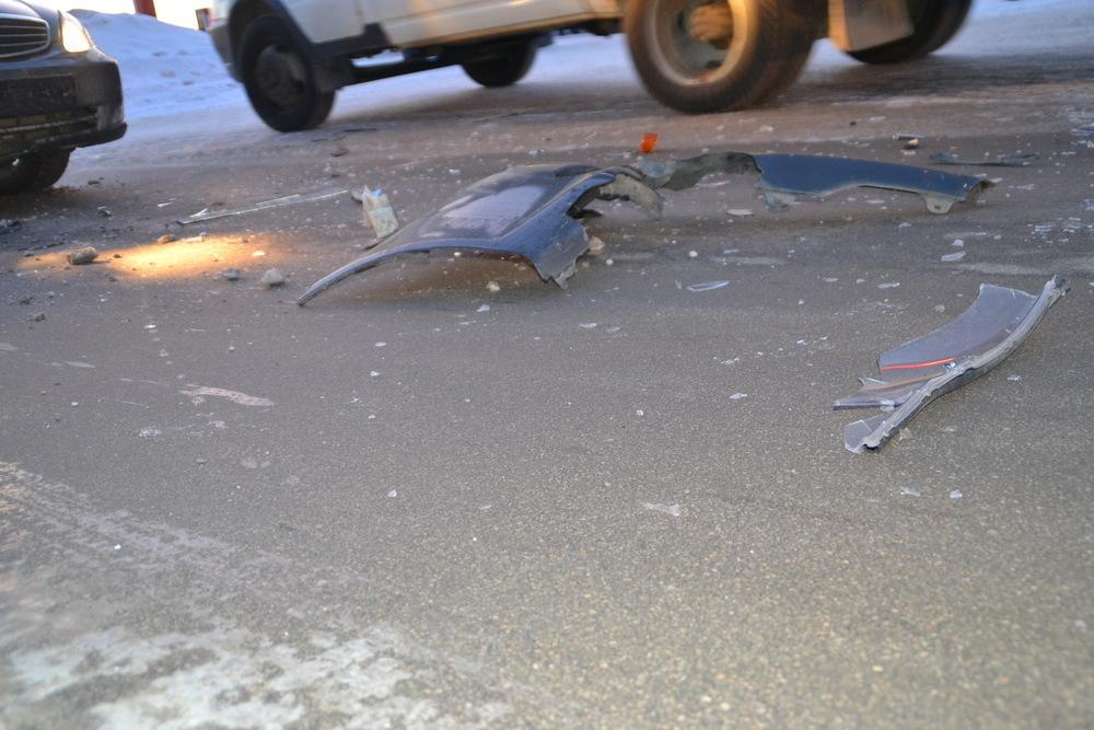 На Кубани водителя, сбившего насмерть человека, нашли по осколкам фар