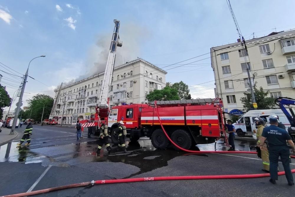 Пожар в жилом доме Краснодара полностью потушили