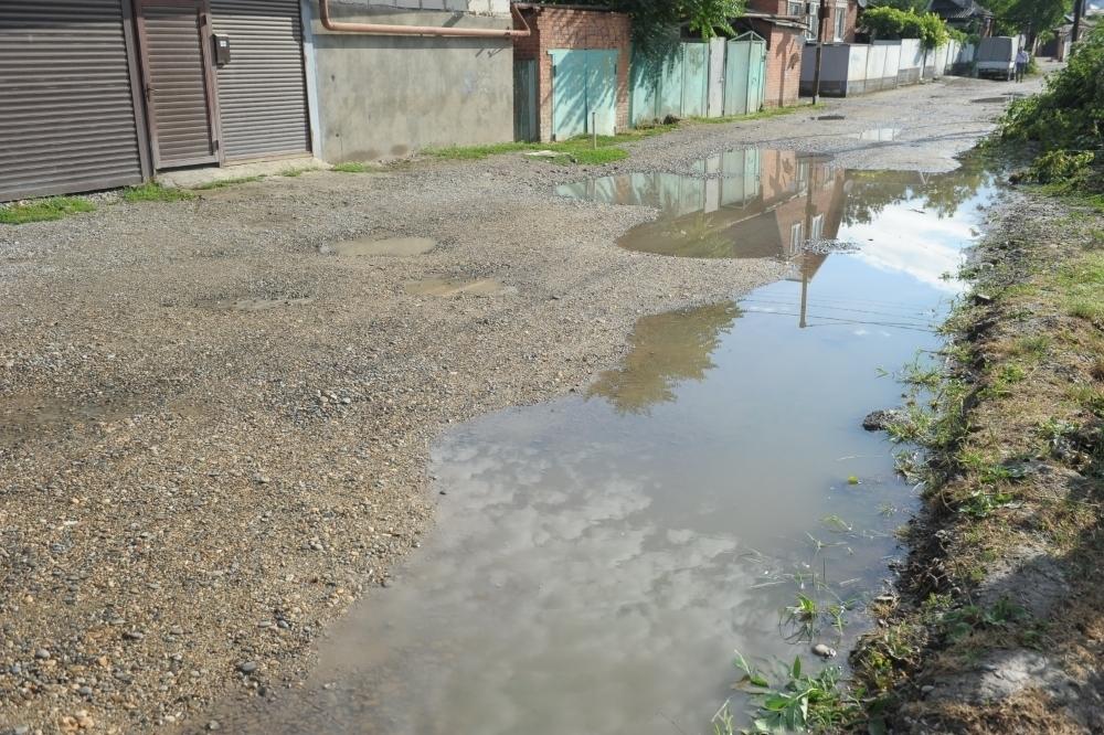 Дорогу на Карасунской Набережной в Краснодаре заасфальтируют