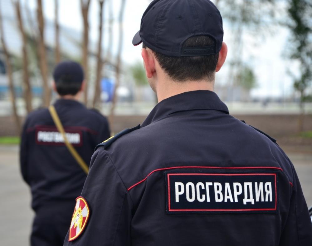 Пьяный юноша залез в охраняемый офис в Краснодаре, перепутав его с домом возлюбленной