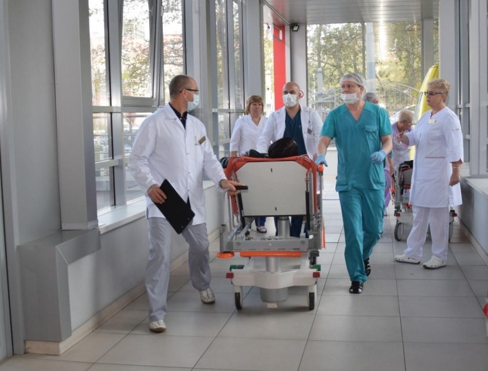 Третий пострадавший в столкновении автобусов в Сочи перевезен в Краснодар