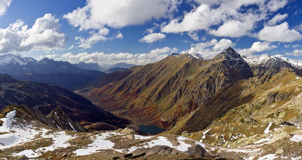 Турист в горах Кубани найден, ведется поиск другого