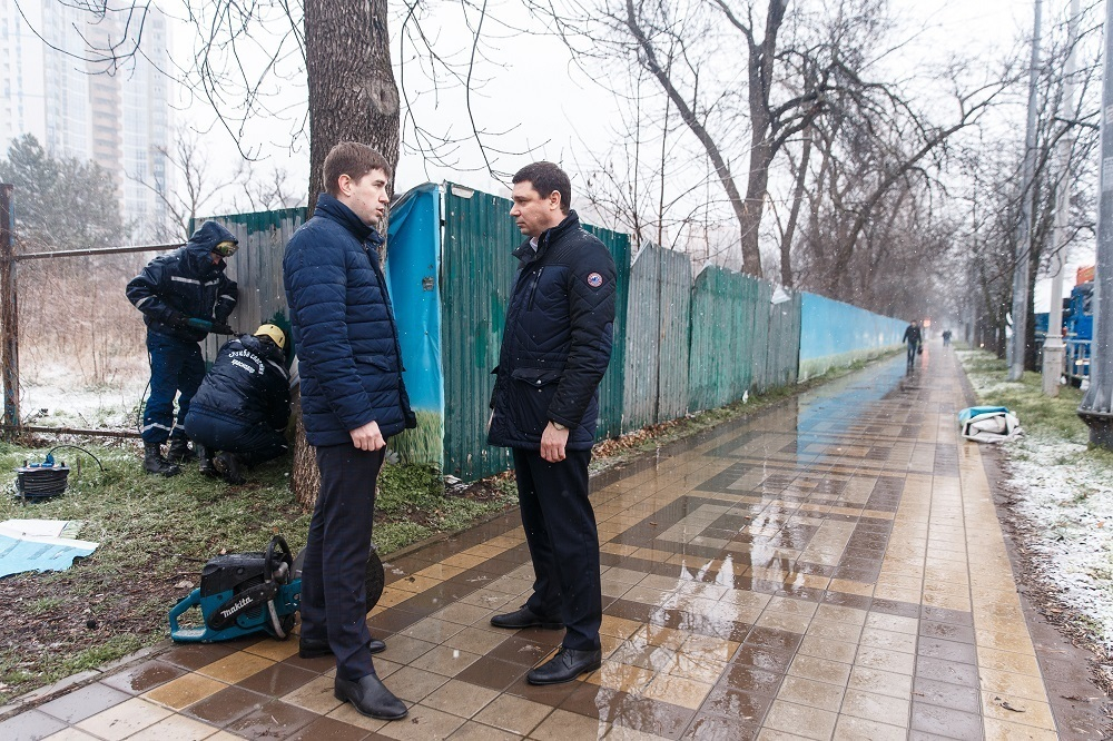 Мэр Краснодара попрощался с «забором-долгожителем»