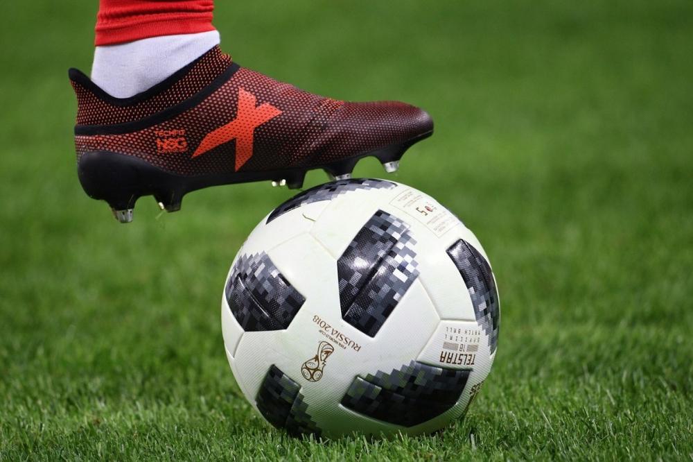 Сочинцы начали продавать автографы знаменитых футболистов