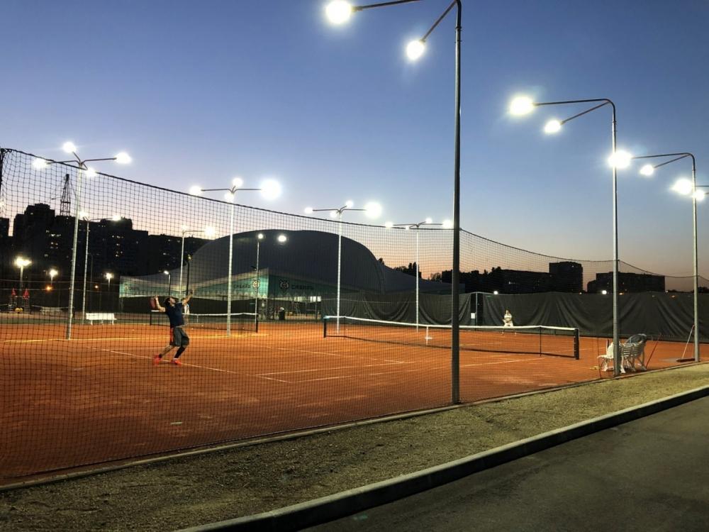 Вместо многоэтажек на Гидрострое построили теннисные корты