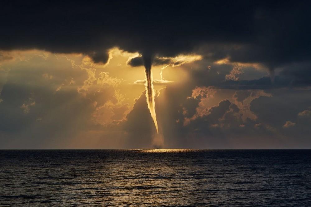 На побережье Кубани объявили экстренное предупреждение