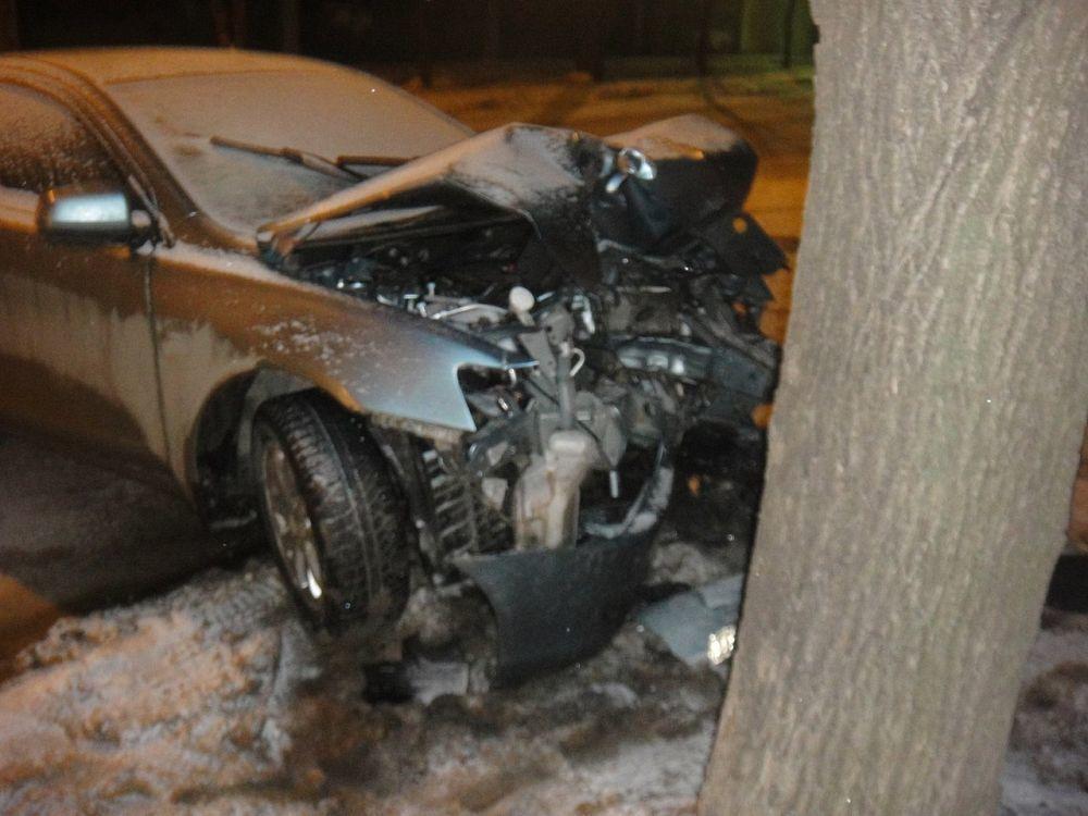 В Краснодаре водитель «Мицубиси» бросил раненого пассажира и сбежал с места ДТП
