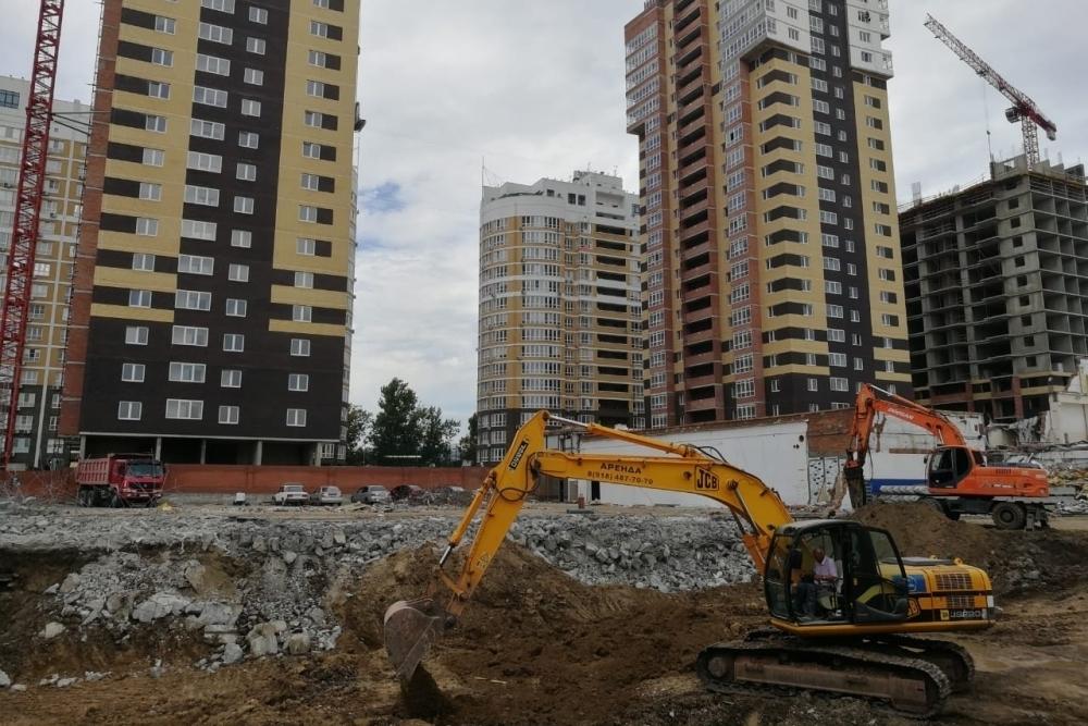 В микрорайоне ХБК Краснодара начали строить поликлинику