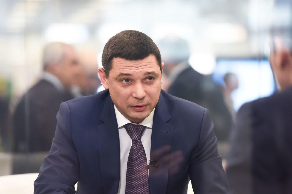Мэр Краснодара «посоветовал» дорожникам делать ремонт летом