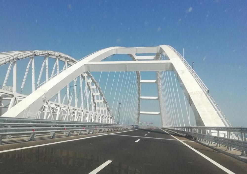 Канада осудила строительство и открытие Крымского моста