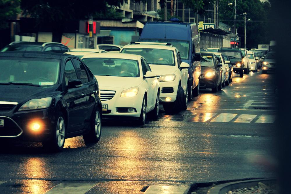 В канун Нового года в Краснодаре ограничат движение грузовиков