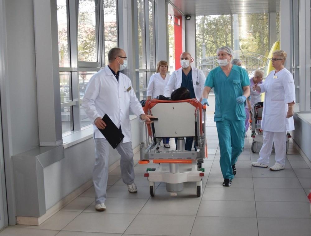В Краснодар доставили пострадавших в смертельном ДТП в Усть-Лабинске