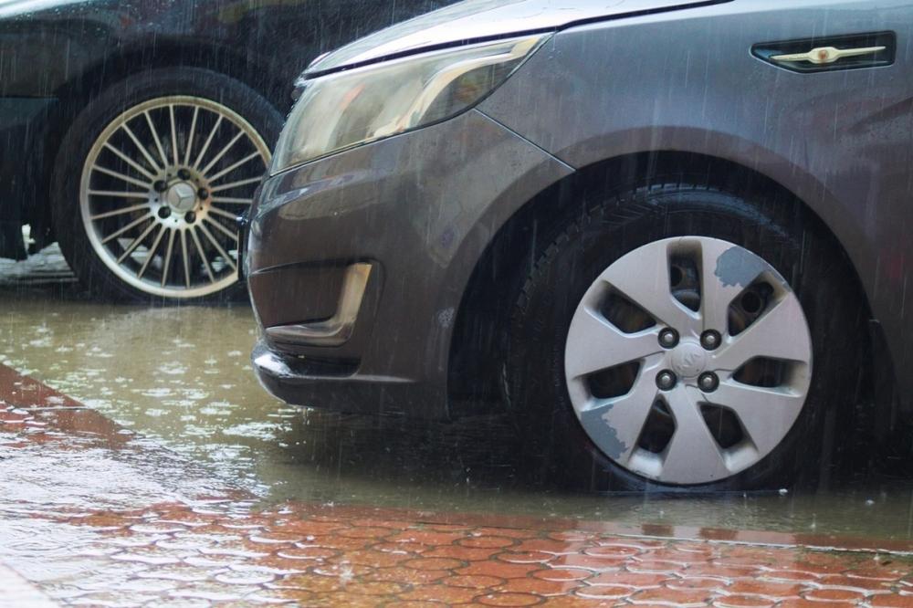 Краснодарцы сообщают о массе подтоплений из-за дождя
