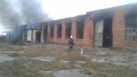 В Лабинском районе сгорел огромный склад пиломатериалов