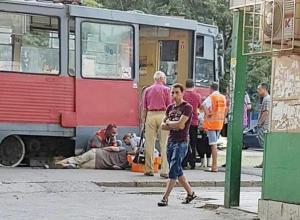 В Краснодаре трамвай сбил мужчину, переходящего дорогу в неположенном месте