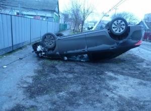 Пьяная женщина-водитель в Приморско-Ахтарске врезалась в столб