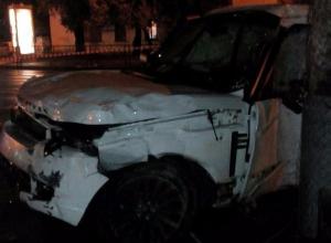 Водитель «Лэнд Ровера», пронесшийся на красный, скрылся с места смертельной аварии в Краснодаре