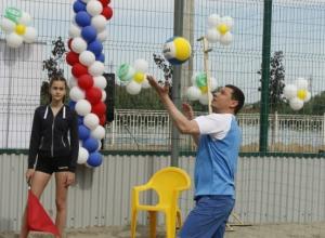 Волейбольная команда мэра Краснодара обыграла команду жителей Юбилейного микрорайона