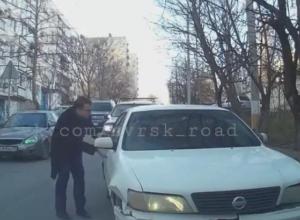 «Это не приступ»: в Новороссийске авария с участием пьяных молодых людей попала на видео