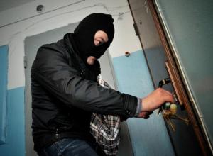 Туапсинскую учительницу ограбили на 1 млн рублей