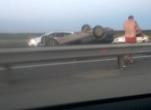 Легковушка перевернулась и убила водителя под Краснодаром