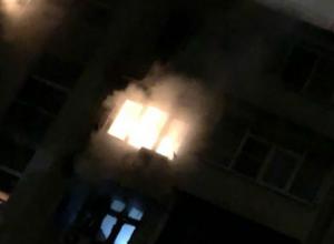 В Сочи ночью сгорела дотла квартира, человека успели спасти