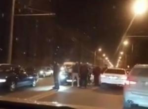 В Краснодаре водитель «БМВ» устроил массовую аварию на встречке