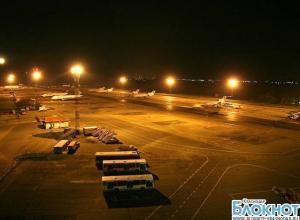 В краснодарском аэропорту самолет выехал за пределы взлетной полосы