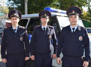 В Армавире полицейские спасли людей из огня