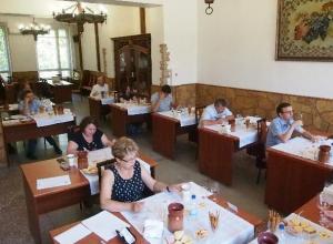 В Краснодаре по достоинству оценили работу виноградарей и виноделов
