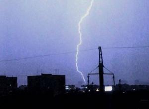 10 тысяч краснодарцев остались без электричества из-за мощной грозы