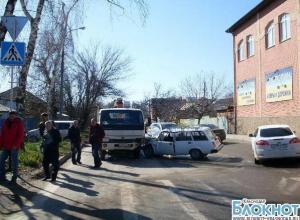 Краснодарский водитель госпитализирован с травмами лица и головы после ДТП